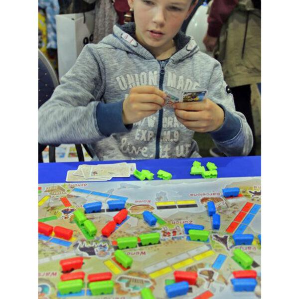 Билет за път - Първото пътешествие - детска бордова игра - реална обстановка