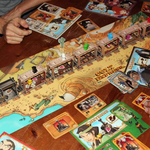 Колт Експрес - семейна настолна игра - игрално поле