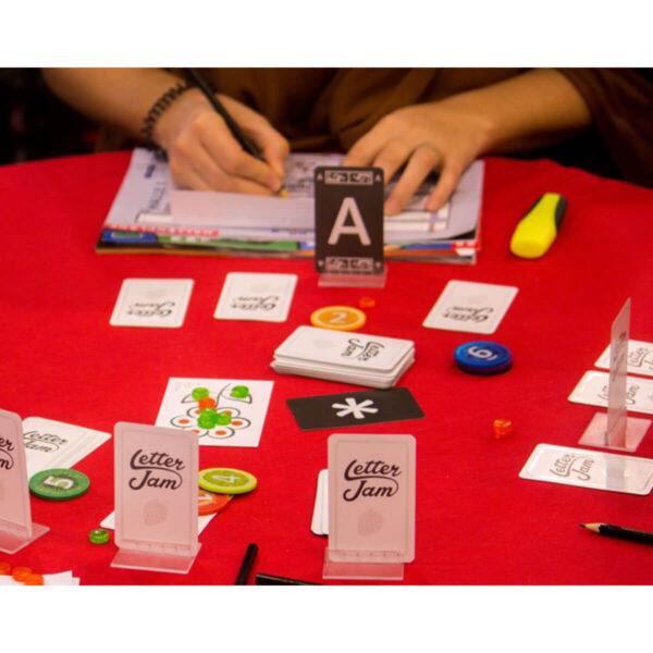 Letter Jam - кооперативна игра - как се играе