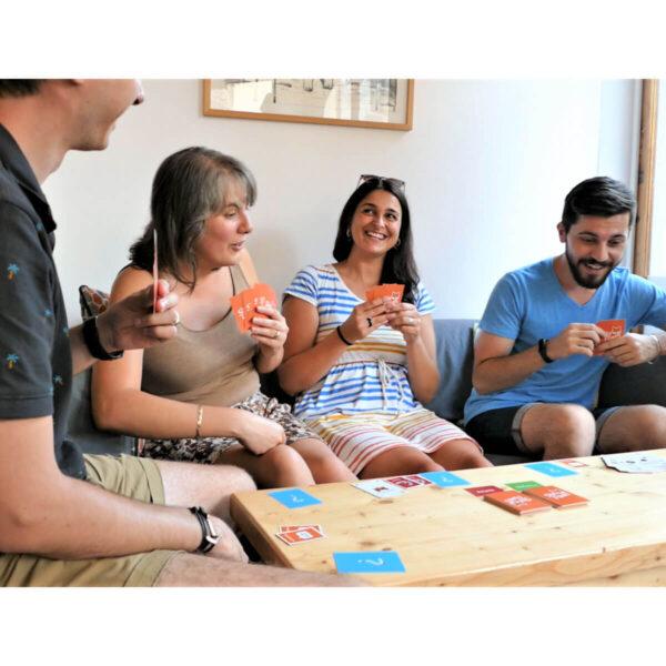 Лукави лисици - парти настолна игра - реална обставонка