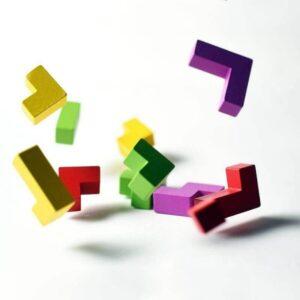 Луда кукла - игра - компоненти